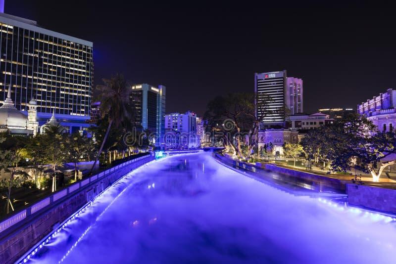 KUALA LUMPUR MALAYSIA, December 15, 2017: Panoramautsikt av floden av liv arkivbild