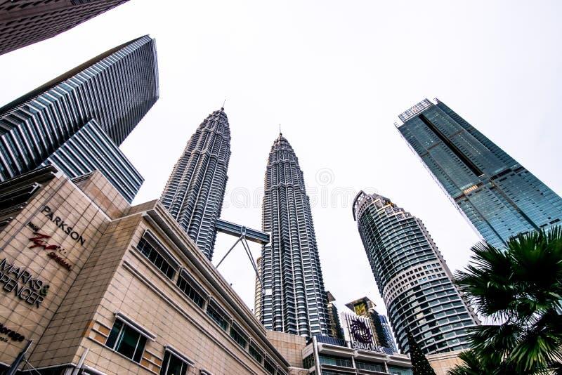 Kuala Lumpur, Malaysia 8. Dezember 2018: Ansicht der Petronas-Twin Tower in Kuala Lumpur, Malaysia lizenzfreie stockfotografie