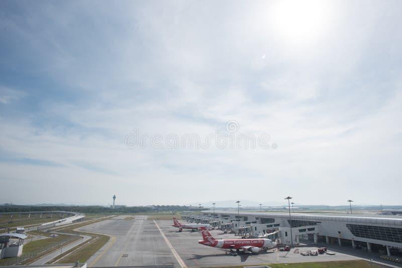 Kuala Lumpur Malaysia - mars 24th 2018: Terminal Kuala Lumpur för internationell flygplats royaltyfria bilder