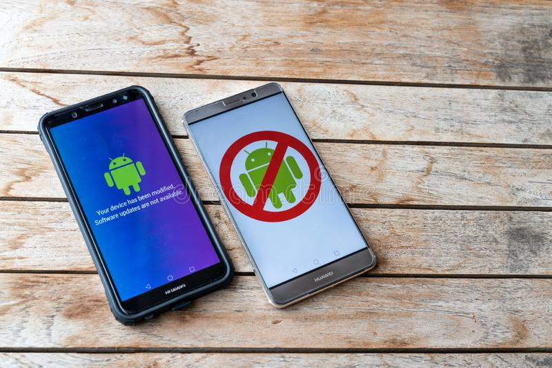 KUALA LUMPUR, MALAYSIA, MAY 25, 2019: Huawei phones with Android message Software Updates Are Not Available. U.S. companies began. To curb sales to Chinese stock photos