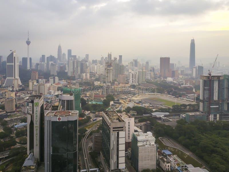 Kuala Lumpur, Maleisië - Augustus 18, 2018: Luchtmening van zonsopgang royalty-vrije stock afbeeldingen
