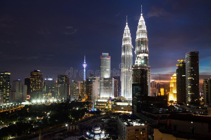 KUALA LUMPUR, MALESIA - 23 LUGLIO 2016: Vista del Petronas Twi fotografia stock
