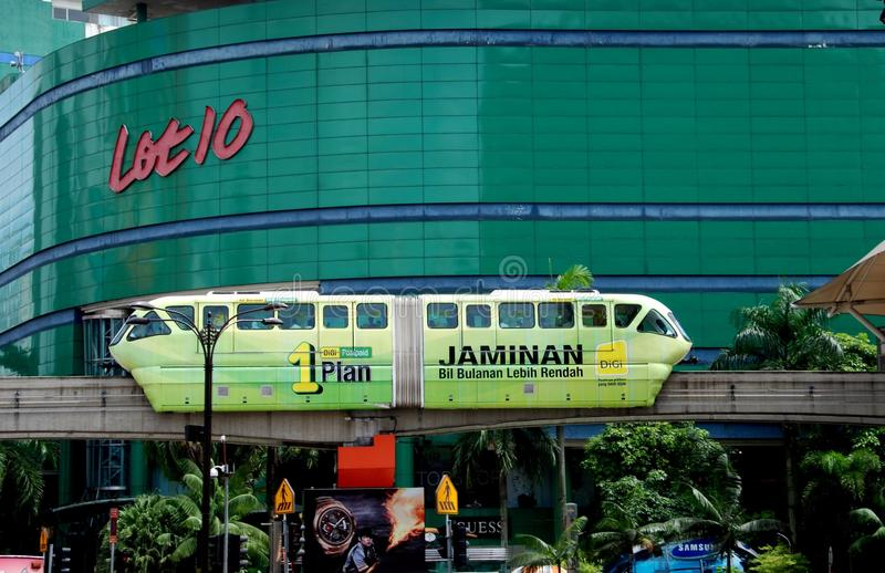 Kuala Lumpur, Malesia: Treno della monorotaia fotografie stock