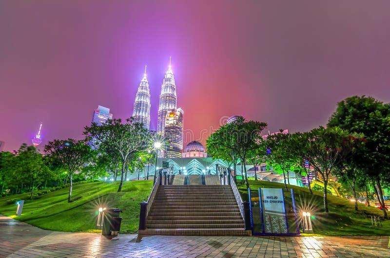 Kuala Lumpur na noite foto de stock royalty free