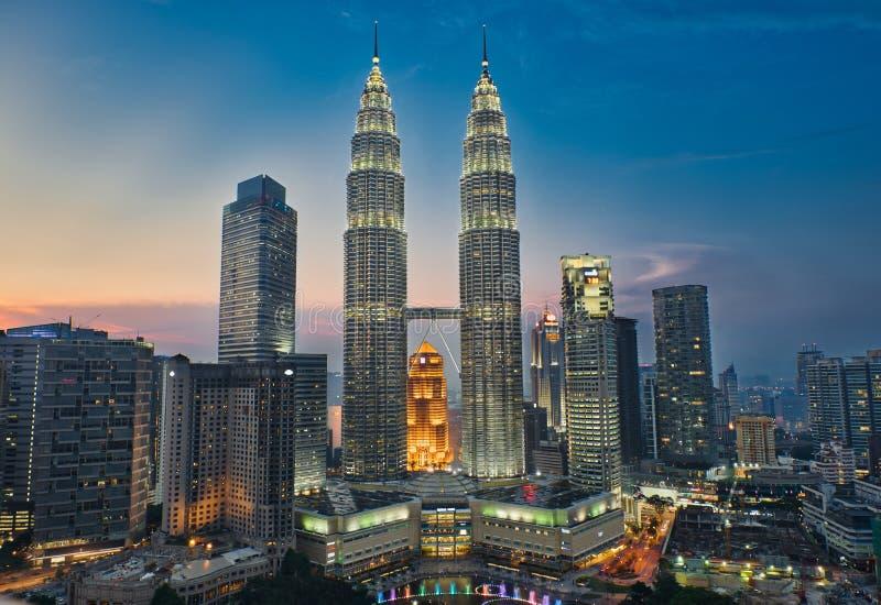 Kuala Lumpur och solnedgång royaltyfri foto