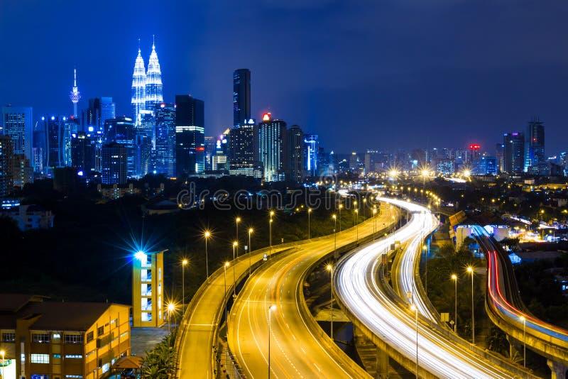 Kuala Lumpur stad på natten arkivfoton