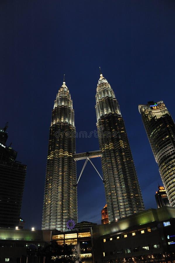 Kuala Lumpur Twin Tower, Kuala Lumpur Malaysia la nuit photos libres de droits
