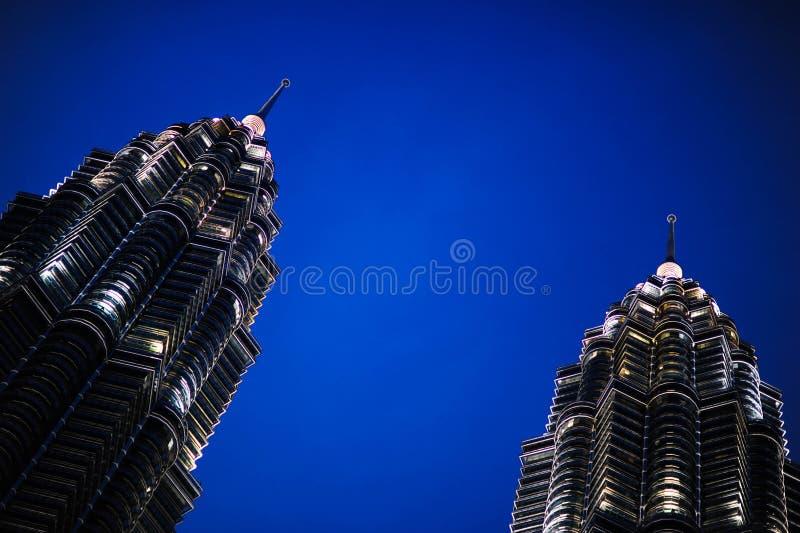 Kuala Lumpur Twin Tower, Kuala Lumpur Malaysia la nuit images libres de droits