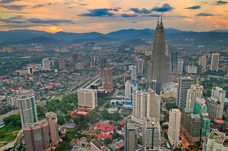 Kuala- LumpurSkyline mit Petronas-Kontrolltürmen lizenzfreies stockfoto