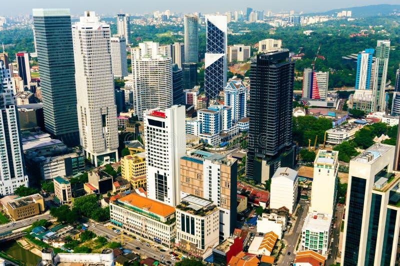 Kuala- LumpurStadtbild Bezirk mit Wolkenkratzern herein in die Stadt lizenzfreie stockfotografie
