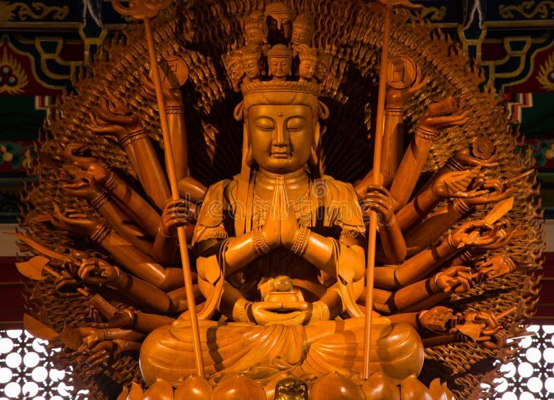 Kuan Yin med 1000 händer royaltyfri fotografi