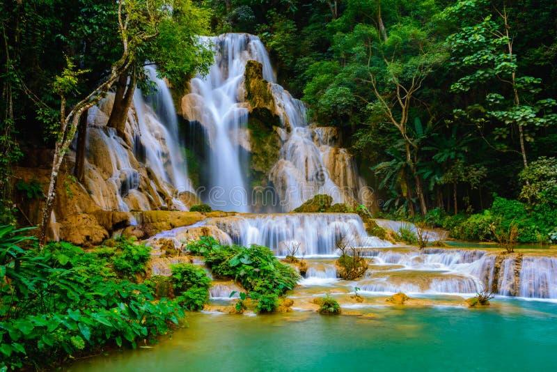 Kuang-Si-Wasserfall lizenzfreies stockbild