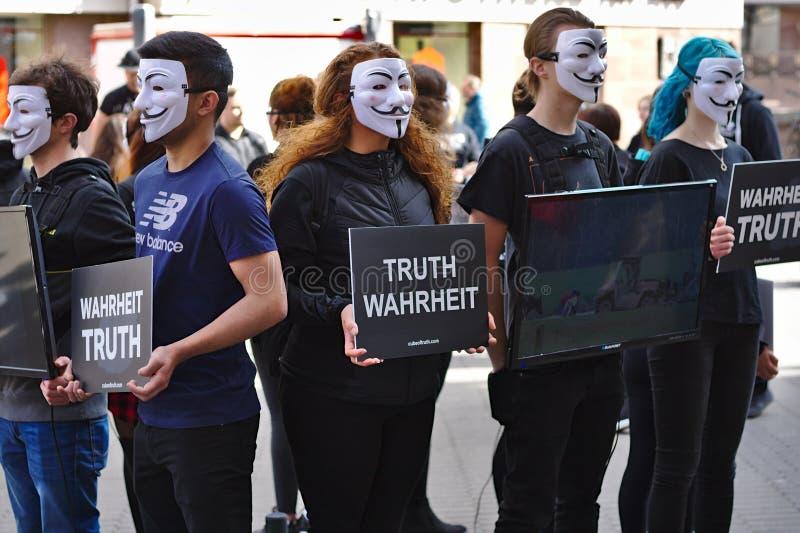 Kub av sanningsprotestgruppen fotografering för bildbyråer