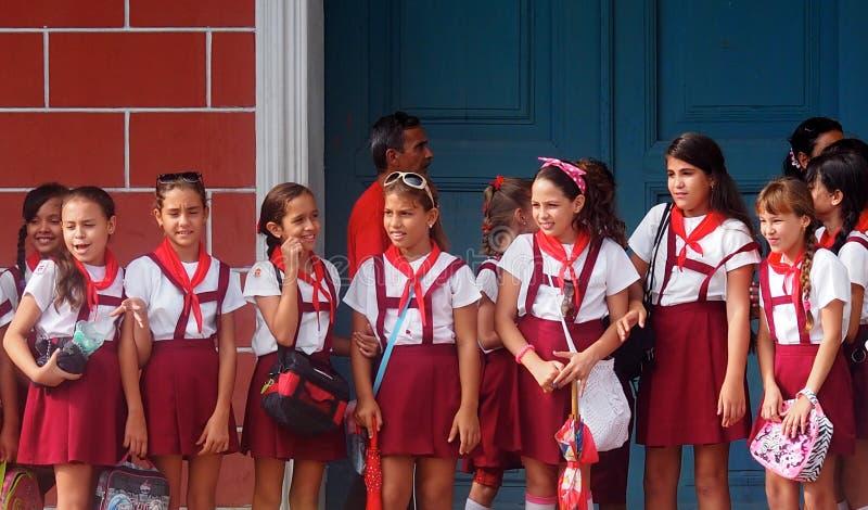 Kubańscy dziecko w wieku szkolnym W mundurze obrazy royalty free