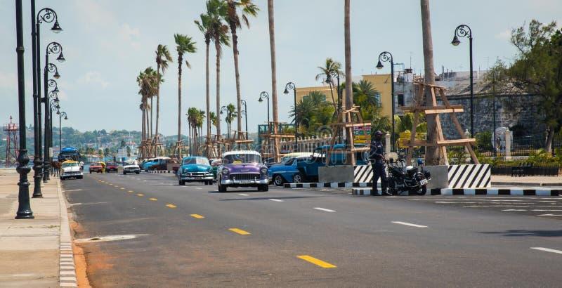Kubańscy Klasyczni samochody w Hawańskim obrazy stock