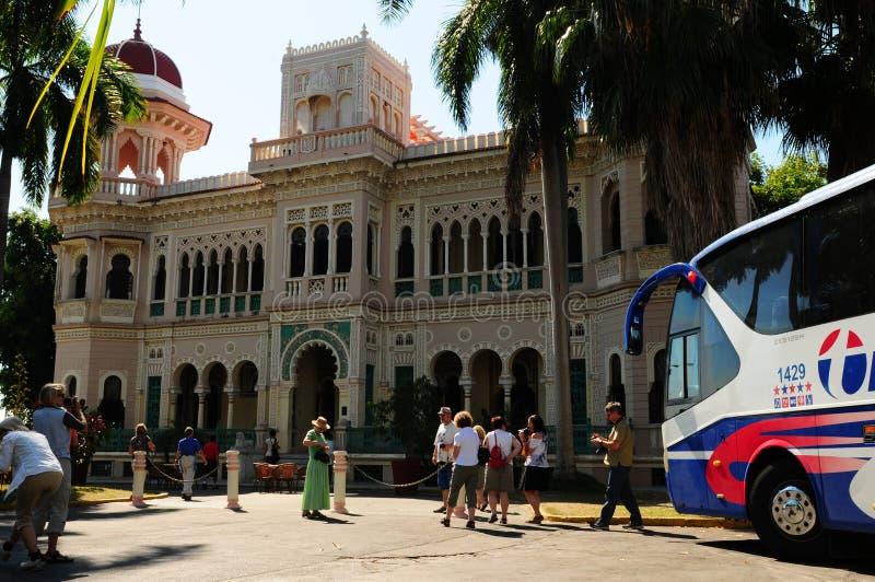 Kuba: Alter Palast San Valle Batistas in Cienfuegos lizenzfreies stockbild