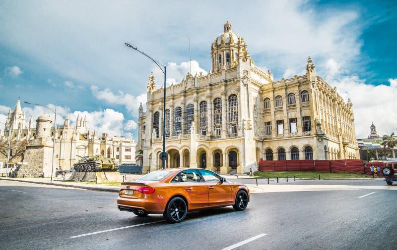 Kuba miasta Audi Hawańskich Starych samochodów Floryda Uliczny ruch drogowy fotografia royalty free