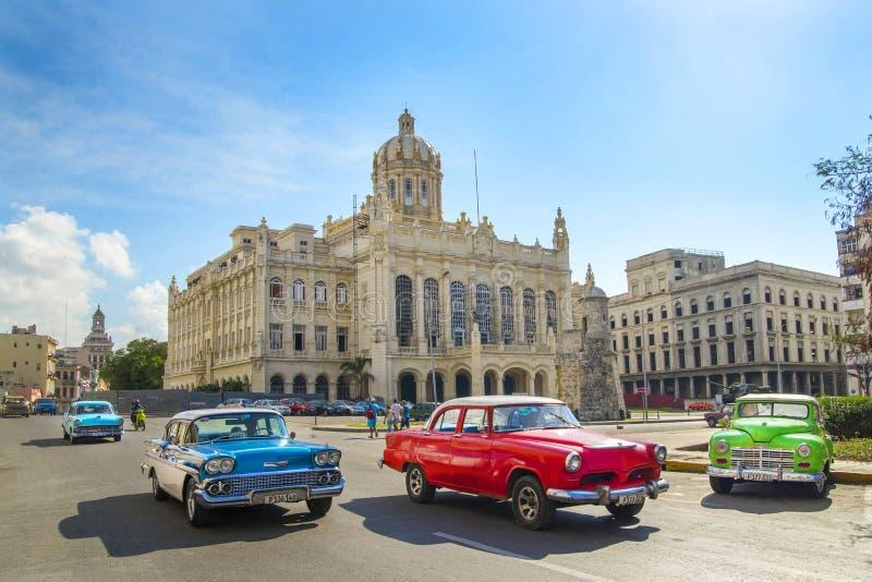 Kuba miasta Audi Hawańskich Starych samochodów Floryda Uliczny ruch drogowy zdjęcie royalty free