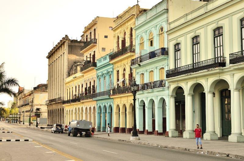 Kuba och byggnader royaltyfri foto