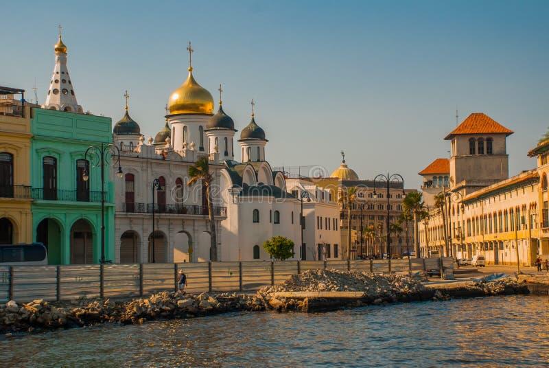 Kuba-` s zuerst russische orthodoxe Kathedrale wird durch eine glänzende Goldhaube überstiegen Kirche der Kazan-Ikone der Mutter  lizenzfreie stockfotografie
