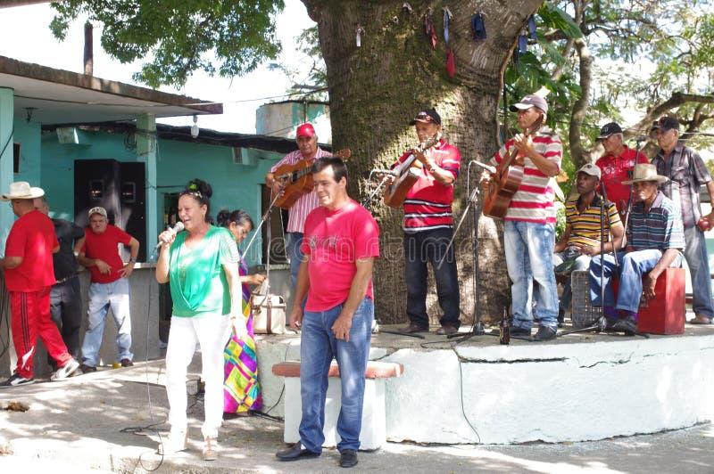 Kubansk musikmusikband arkivbild