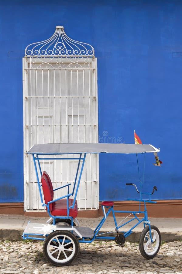 Kubansk rickshaw i Trinidad royaltyfria bilder
