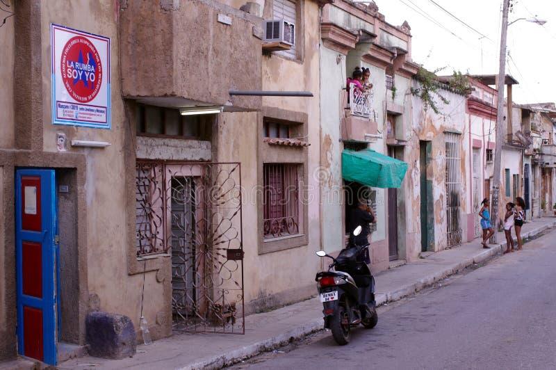 Kubansk Yo för sojabönor för rumba för La för rumbaskola` ` i Matanzas royaltyfri foto