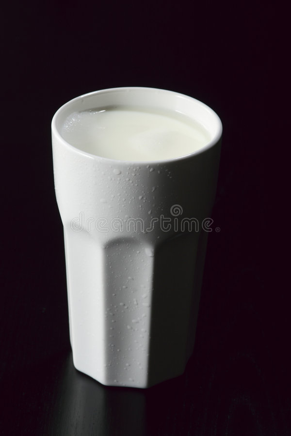 kubek z mleka fotografia royalty free