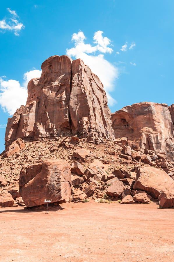 Kuben i monumentdalen, Arizona royaltyfria bilder
