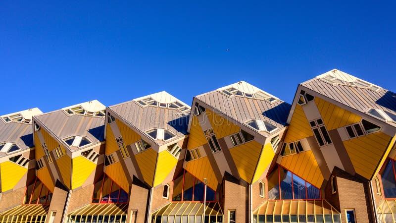Kubieke gele huizen de reis in van Rotterdam, Nederland in Europa royalty-vrije stock afbeeldingen