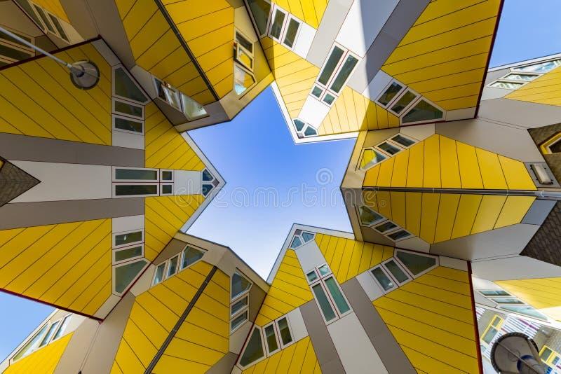Kubieke huizen in Rotterdam royalty-vrije stock foto's