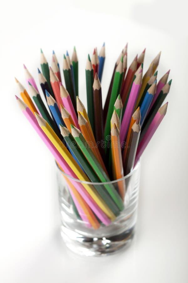 kubków barwioni ołówki obraz royalty free