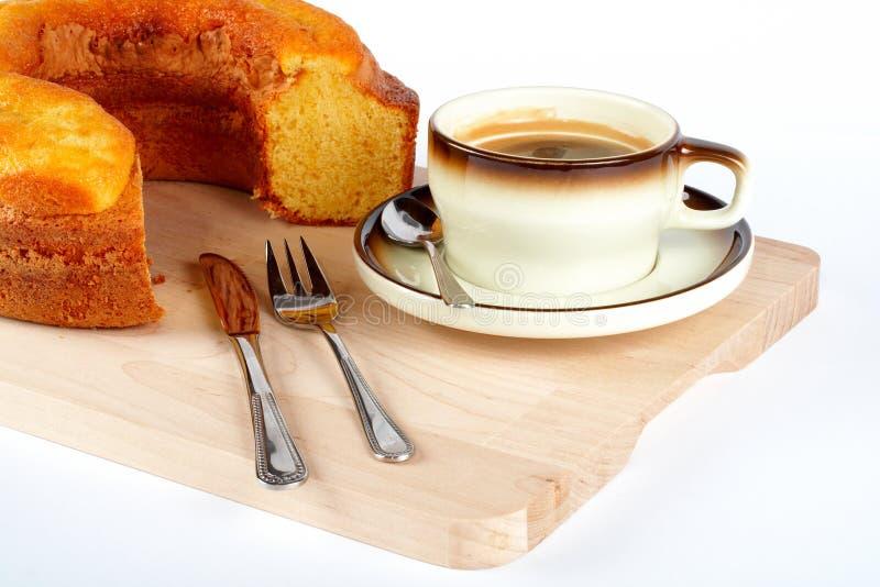 kubki ciasta widelce noża płytkę gąbki łyżki drewna obraz stock
