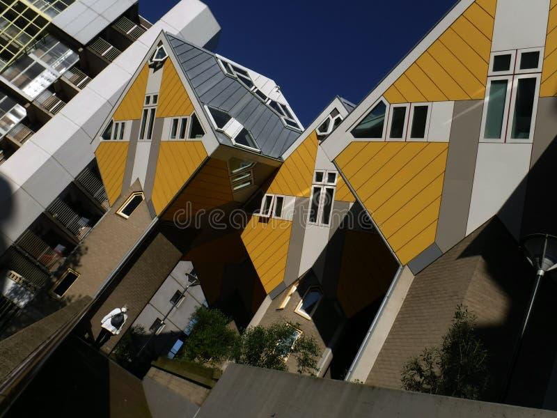 Kubus: Nowożytni kubiczni domy w Rotterdam zdjęcia stock