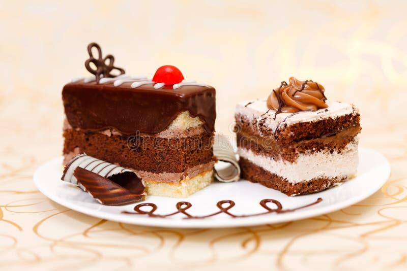 Kuchen auf Platte stockbild
