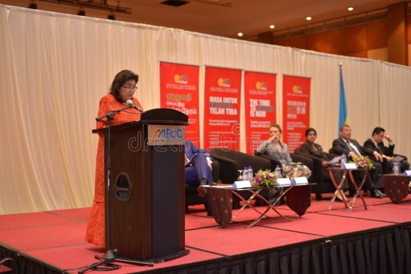 Kuchen Datuk Wira Jalilah, Vizepräsident der nationalen Handelskammer lizenzfreies stockbild