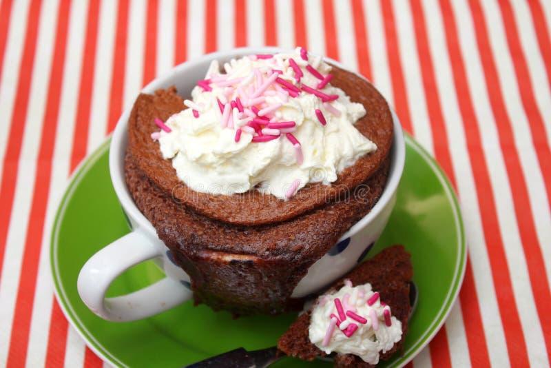 Download Kuchen in einem Becher stockfoto. Bild von imbiß, süß - 90227896