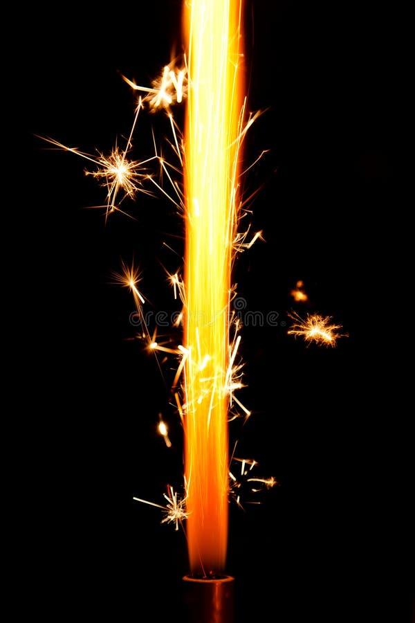 Kuchenfeuerwerkflamme lizenzfreies stockfoto