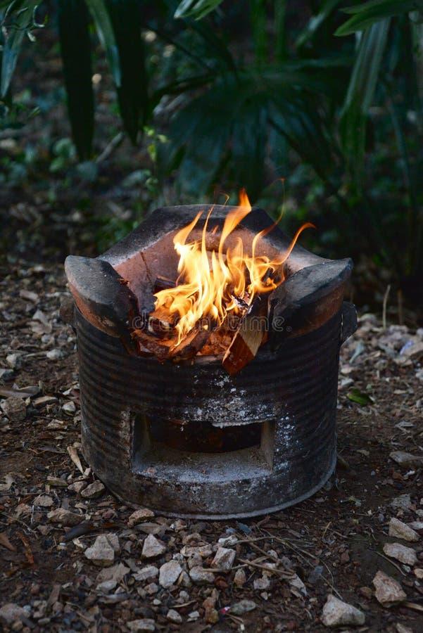 Kuchenka i ogień obraz royalty free