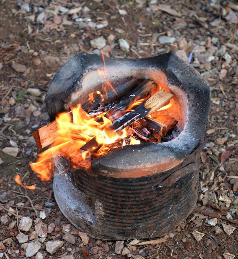 Kuchenka i ogień zdjęcia royalty free