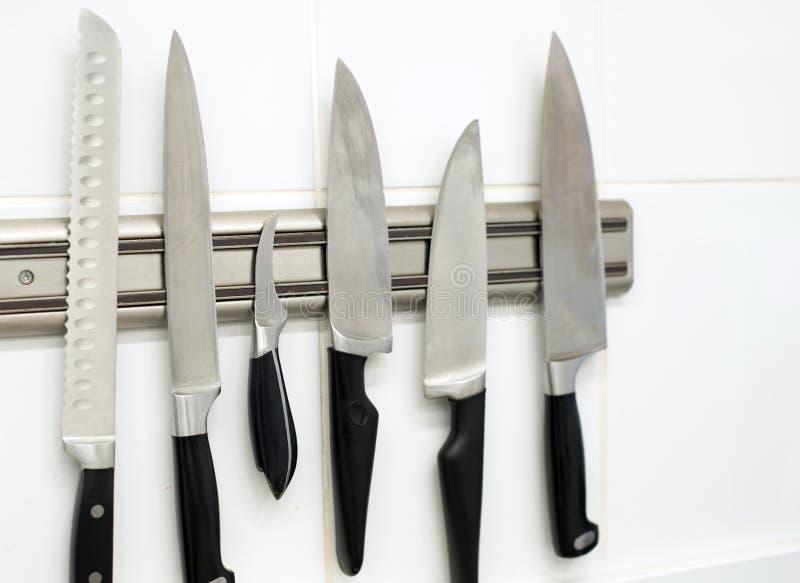 Kuchenni noże na ścianie zdjęcie royalty free