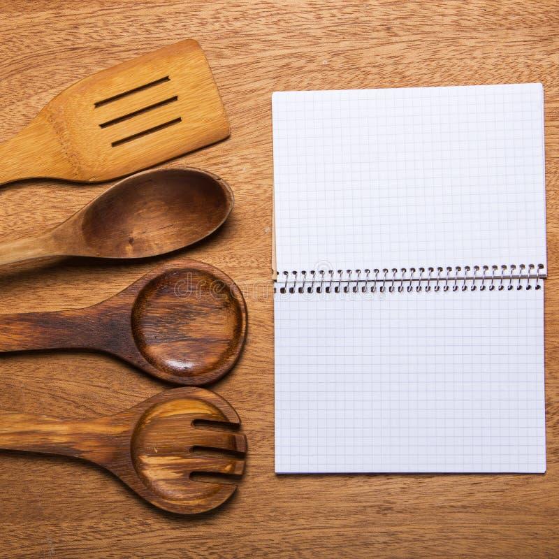 Download Kuchnia Drewniany naczynie obraz stock. Obraz złożonej z brąz - 41954271
