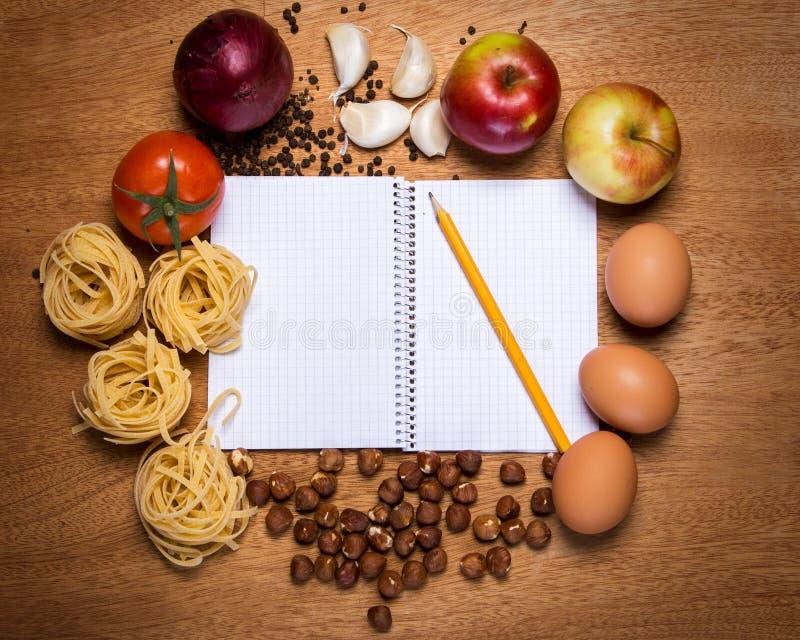 Download Kuchnia Kulinarna Książka I Jedzenie Obraz Stock - Obraz złożonej z jajka, instrument: 41954217
