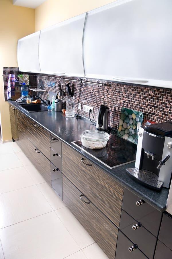 kuchnia nowoczesnego widok za szeroki zdjęcia stock
