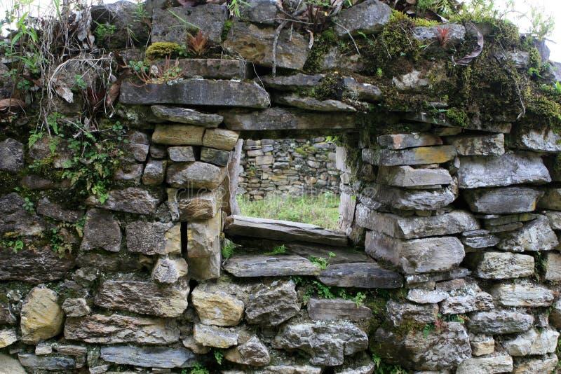 Kuelap rovina la finestra fotografia stock libera da diritti