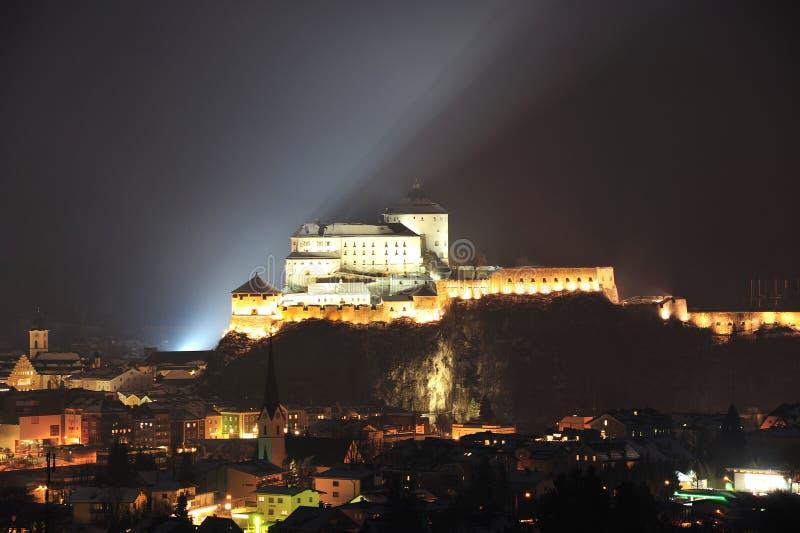 Kufstein forteca w nocy zdjęcie royalty free