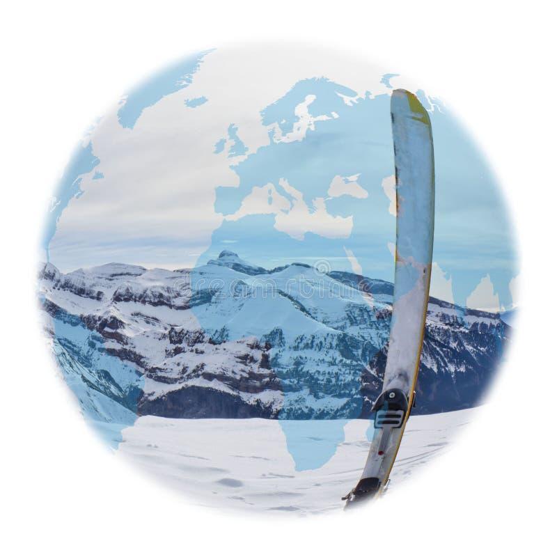 Kugel über einem Ski im Hoch lizenzfreies stockfoto