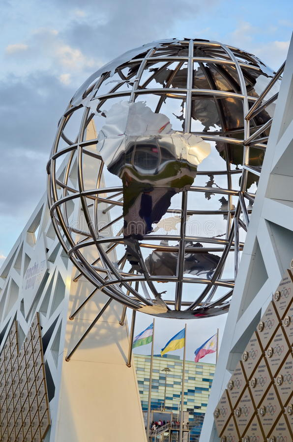 Kugelskulptur in Sochi, Russische Föderation stockfoto