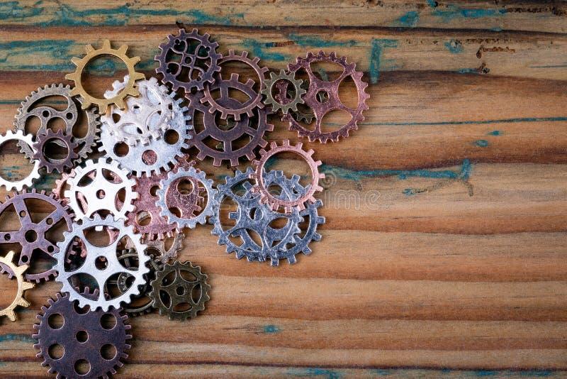 Kugghjul i olika format och färger arkivfoton