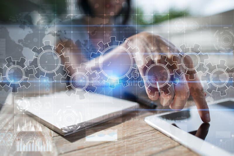 Kugghjul på den faktiska skärmen Affärsstrategi och teknologibegrepp Automationprocess fotografering för bildbyråer